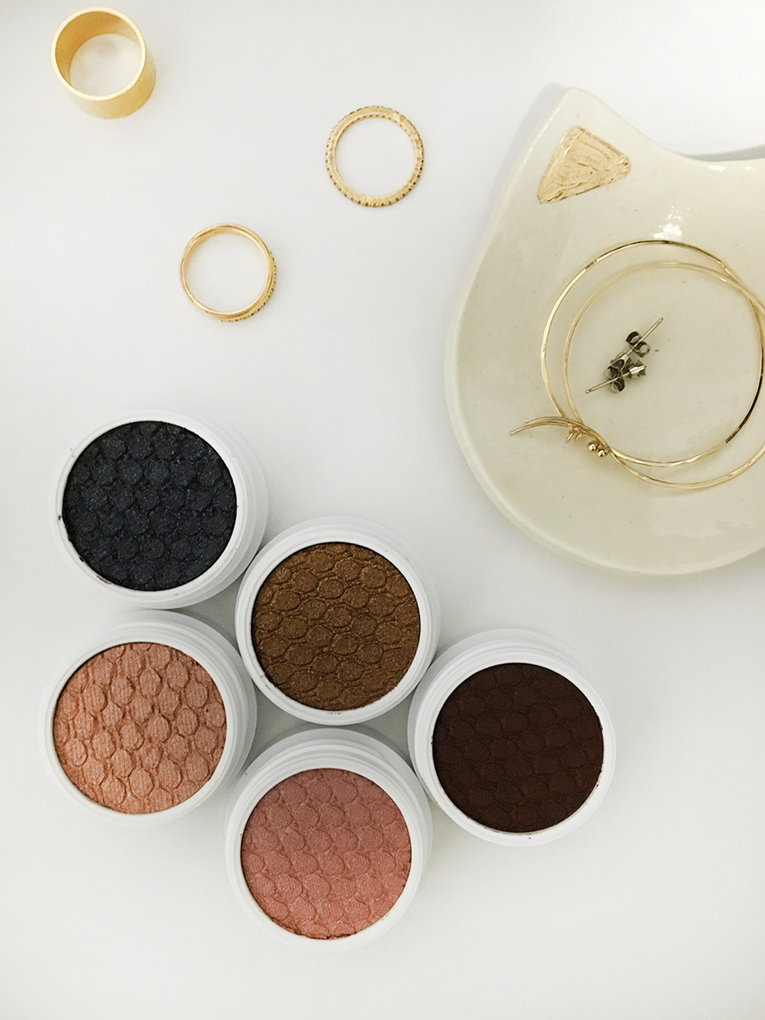 LaurenLora_ColourPop_SuperShockShadows-1