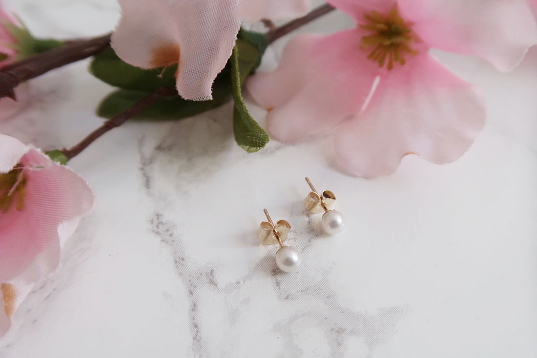 Mejuri Mini Pearl Studs